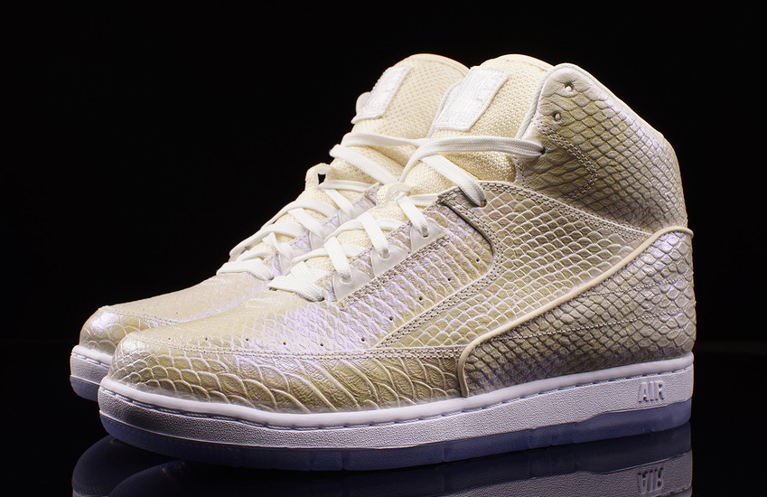 271637584561d8 Nike Lets Pearly Air Pythons Out of the Cage