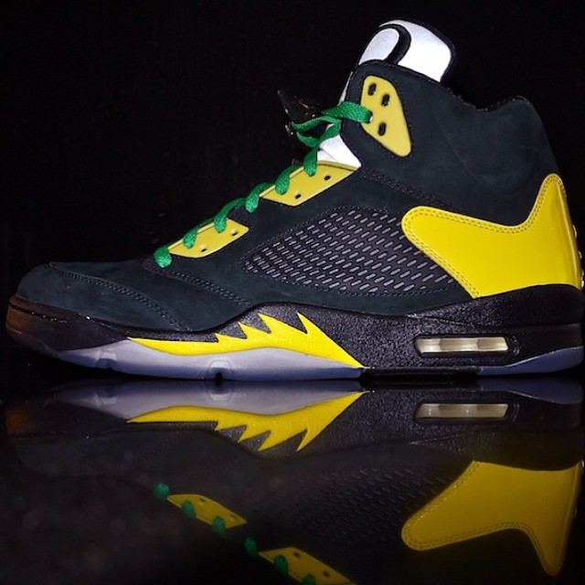 DJ Clark Kent Picks Up Air Jordan 5 Oregon JumpDuck