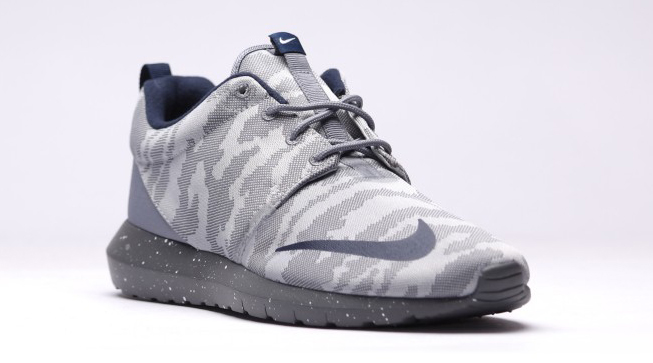 100% authentic eb214 5d532 Nike Roshe NM FB Color  Flat Silver Obsidian-Dark Grey-Cool Grey Style     685196-004