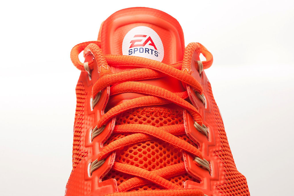 buy online a10bd b649d EA Sports x Nike Lunar TR1+ NCAA Football  13 (5)