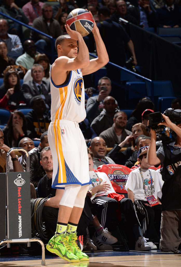 Stephen Curry wearing Under Armour Anatomix Spawn Voodoo PE
