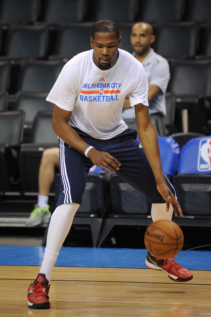 online store 05fae e9d56 Kevin Durant wearing Nike KD IV 4 EYBL Red (1)