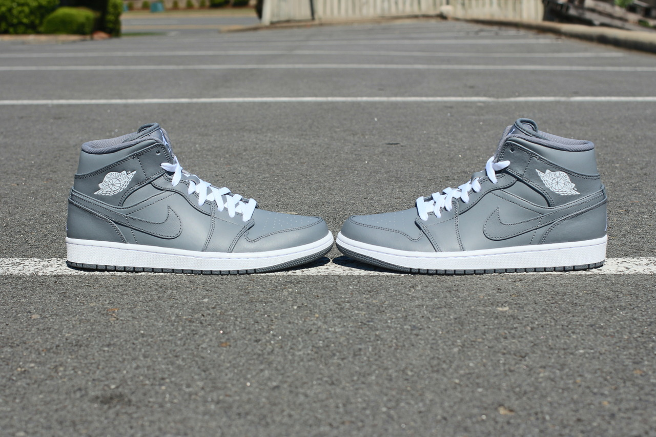 womens air jordan retro 1 grey gold