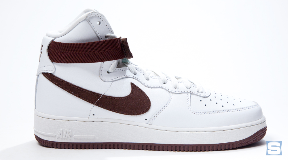 Nike honors the retailers who saved the air force 1 sole collector malvernweather Images