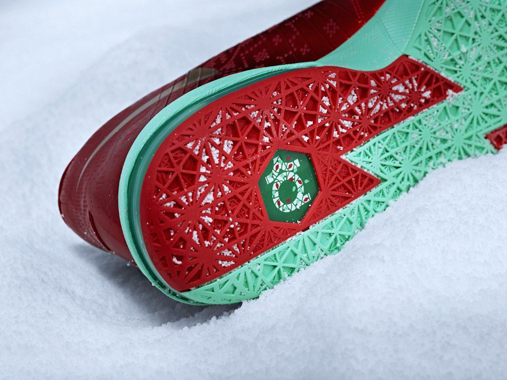 2794c45c058 Nike Basketball 2013 Christmas Pack    LeBron 11