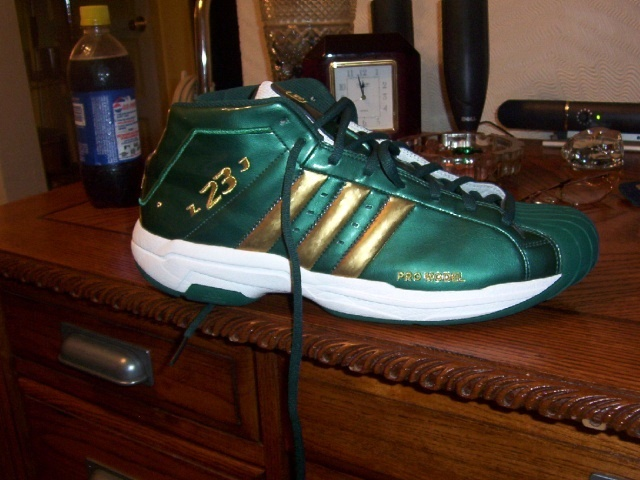 081342cb1f8bf Top 10 PEs Worn by LeBron James At SVSM