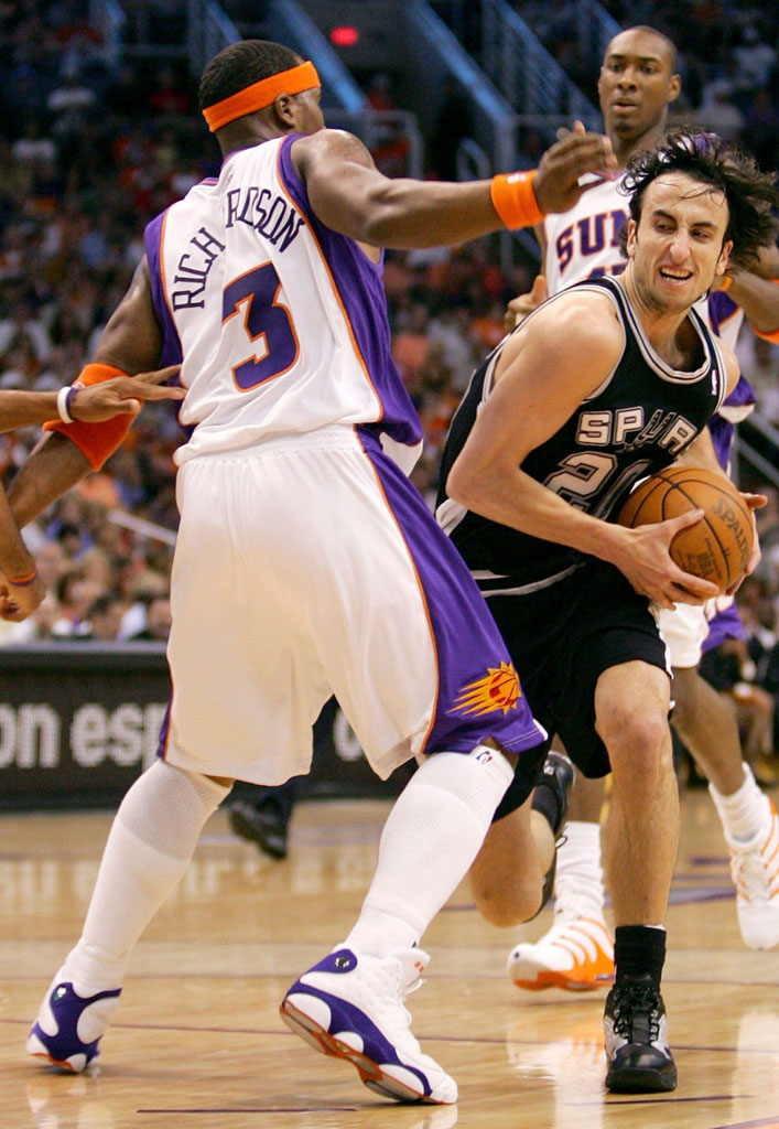Quentin Richardson wearing Air Jordan XIII 13 Phoenix Suns Home PE