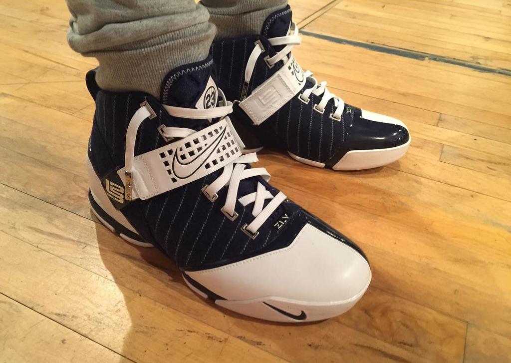 new styles 8fcfd b76c8 Shoe  Nike Zoom LeBron 5  Yankees