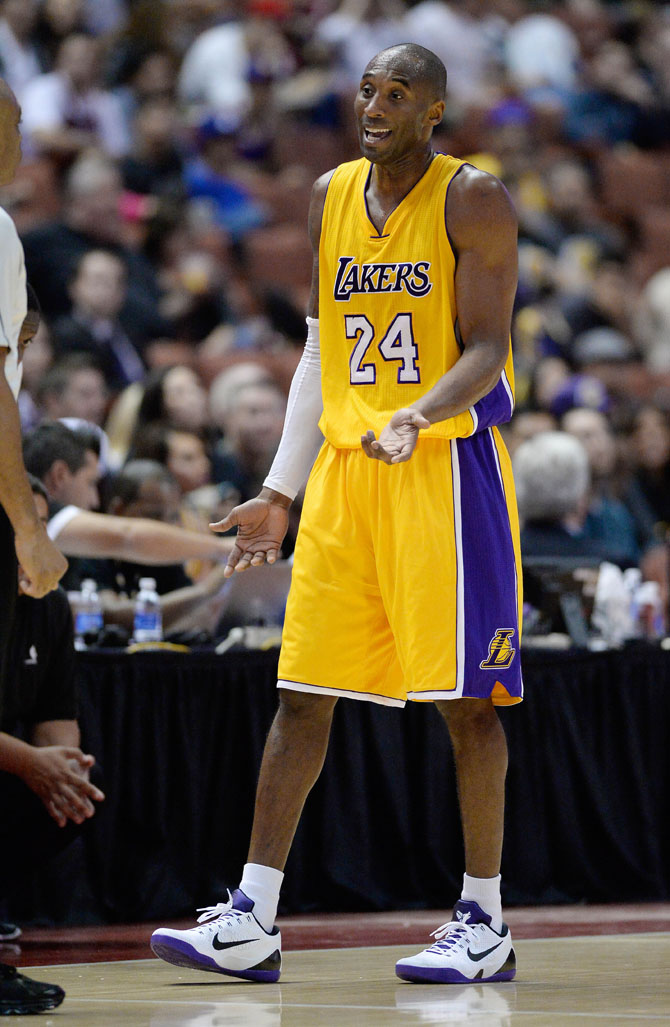Kobe Bryant Breaks Out New Nike Kobe 9 Elite Low PE  5adec8c05