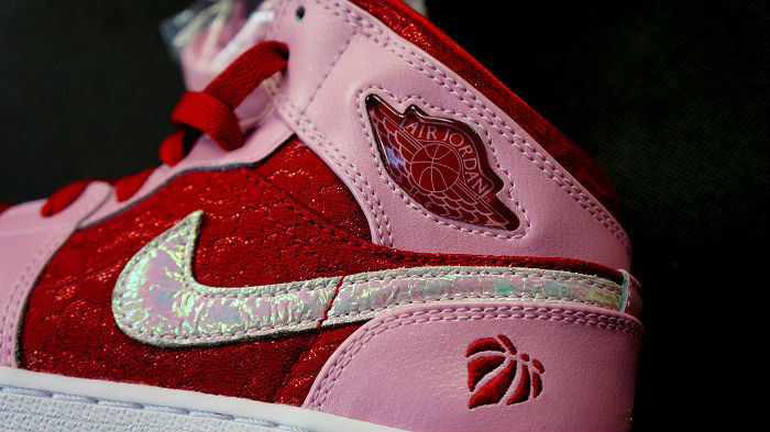 Air Jordan Retro I 1 Mid Premium GS Valentine's Day 2013 (4)