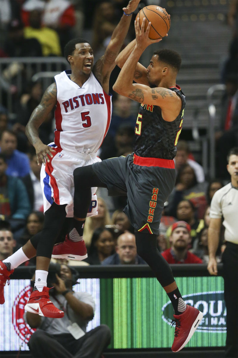 Thabo Sefolosha wearing the Red Nike Air Max 1 Mid