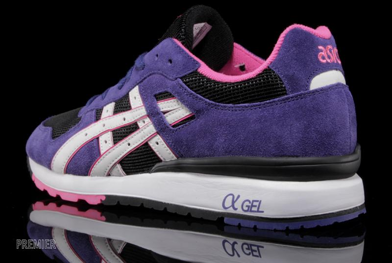 ASICS GT II in black purple heel