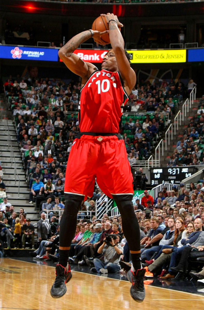 DeMar DeRozan Dunks on Rudy Gobert in a Nike Kobe 10 iD (1)