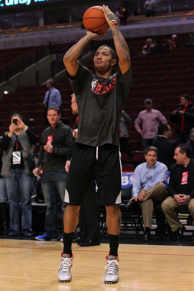 Derrick Rose wearing adidas Rose 3.5 Home