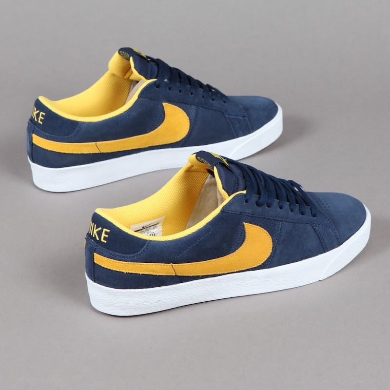 Nike SB Blazer Low CS Midnight Navy Varsity Maize 418539-400