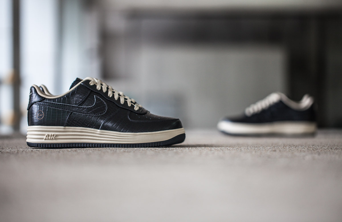 Detailed Look Fragment Design X Nike Air Force 1
