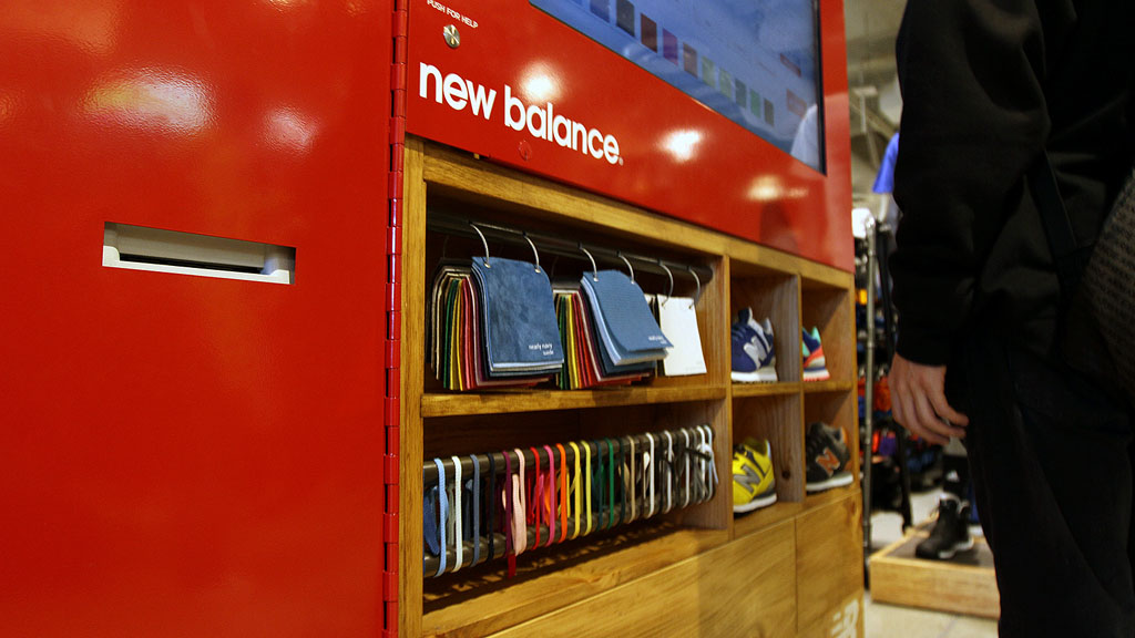 New Balance Kiosk for 574 Customization at Foot Locker in Times Square (9)