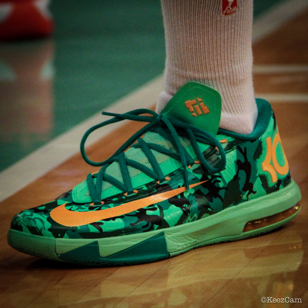 Essence Carson wearing Nike KD VI 6 Easter (2)