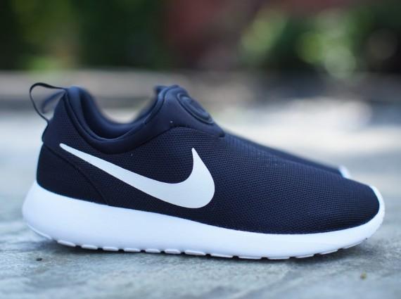 Nike Roshe Run Slip-On - Black/White