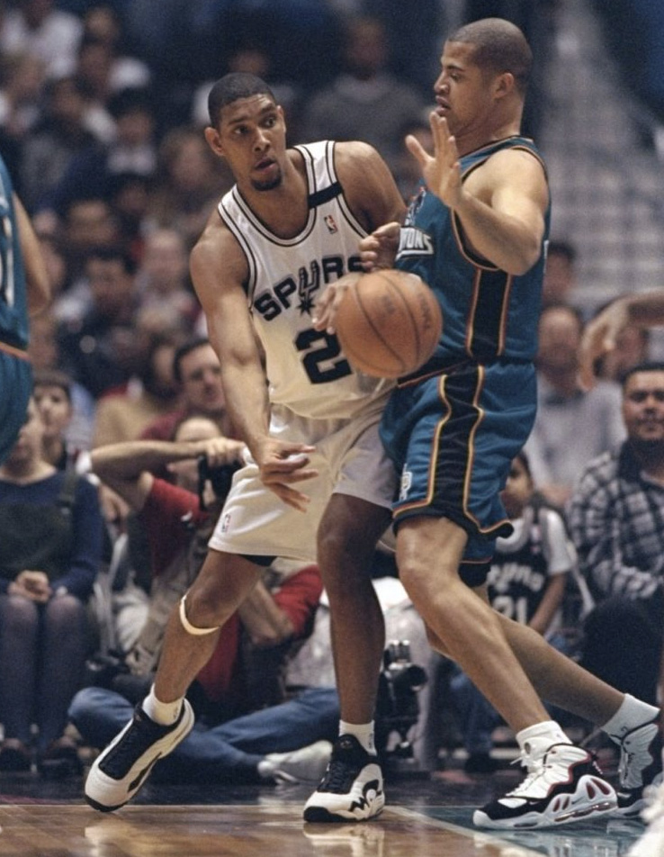 b3b137d70e7   IMG   A Look Back at The Most Notable Sneakers Worn By Tim Duncan