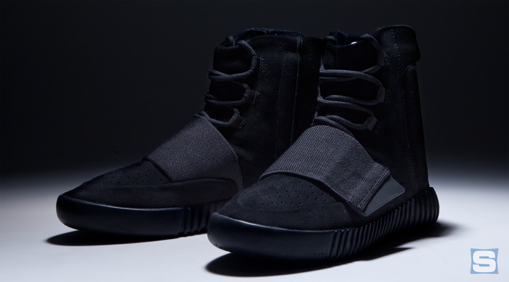 Yeezy 750 Boosts Blackout