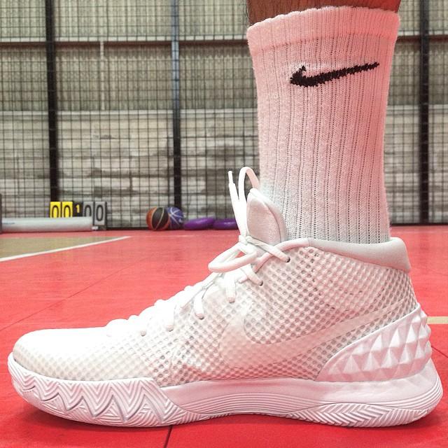 Nike Kyrie All White