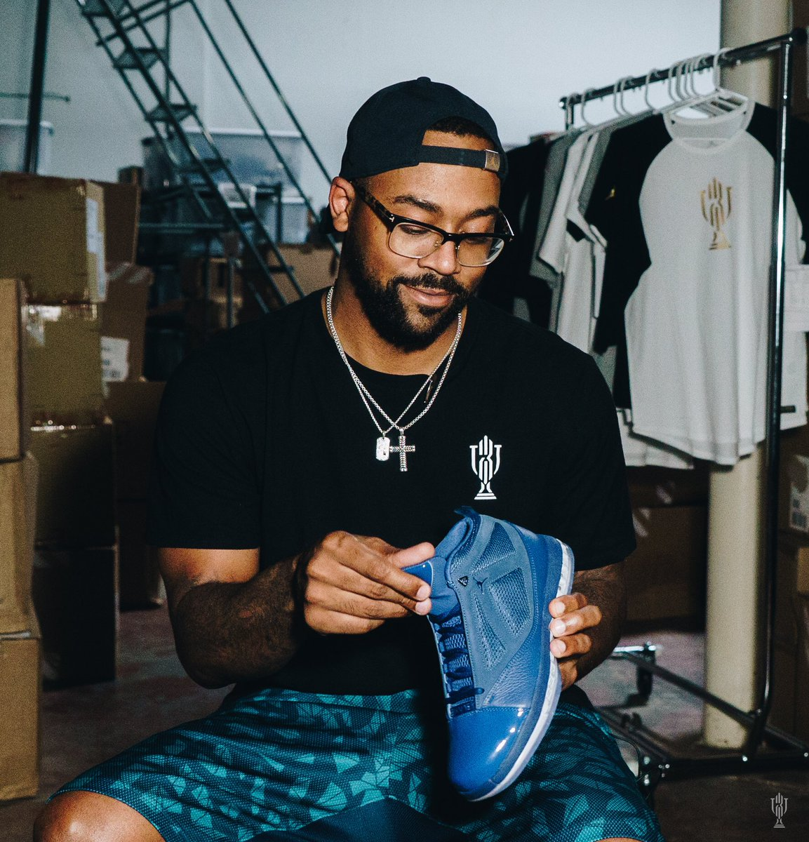 43d7001e10eec4 ... where to buy marcus jordan trophy room x air jordan 16 french blue  release date 1