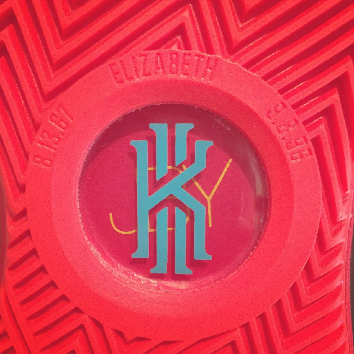 kyrie irving shoes logo
