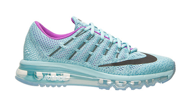 Nike Air Max 2016 Flyknit On Foot Video
