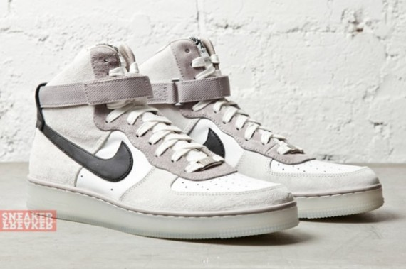 separation shoes 19674 ddae9 Look for these soon at select Nike Sportswear accounts.