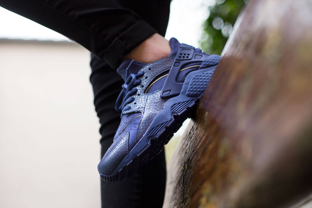 nike huarache blue womens
