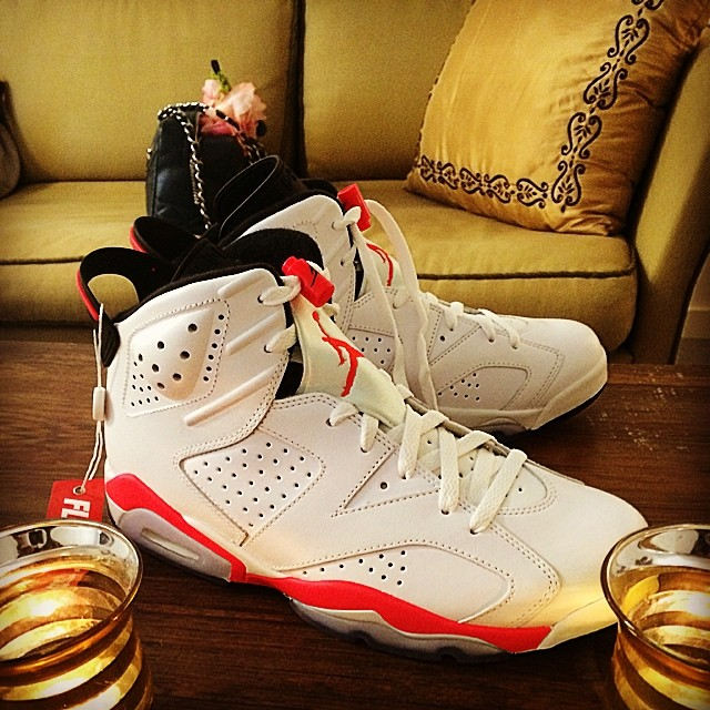 Big Boi Picks Up Air Jordan VI 6 White/Infrared