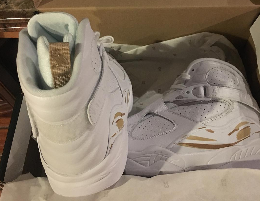 3608bae18a6fef A Rare Look at Drake s White OVO x Air Jordan 8s