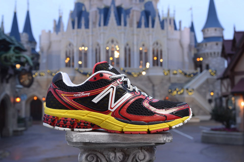 runDisney x New Balance 860v3 Mickey Mouse (1)