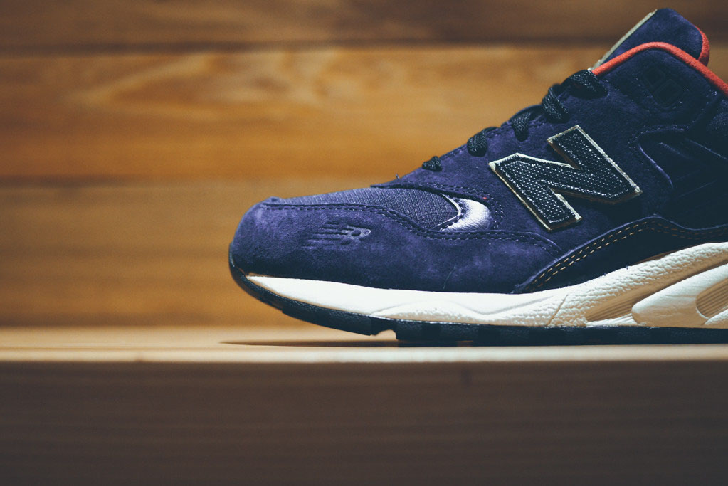 New Balance MRT580 Elite Navy Gold Red (3)