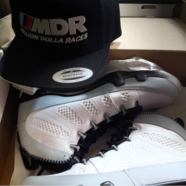 Jim Jones Picks Up Air Jordan IX 9 Retro Barons