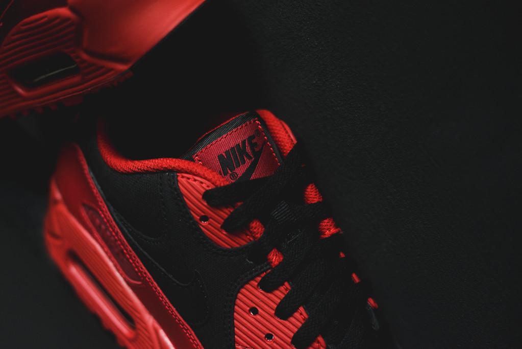 pretty nice fe4f6 54935 Nike Air Max 90 Winter Gym Red Black (4)