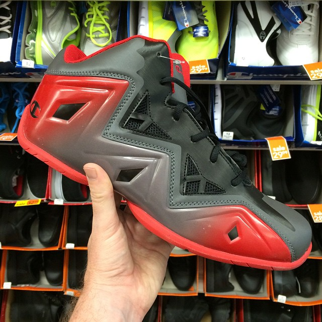 Champion Fake LeBron XI 11