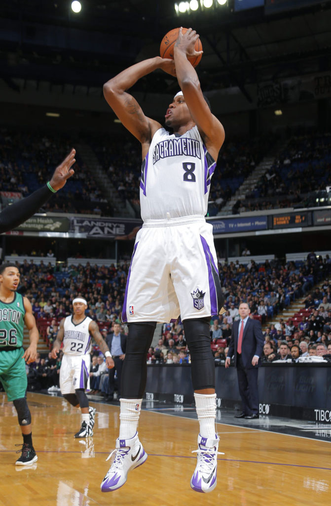 Rudy Gay wearing Nike Zoom HyperRev Home PE