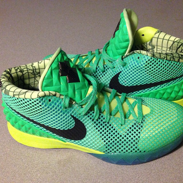 Nike iD Kyrie 1 Kryptonite