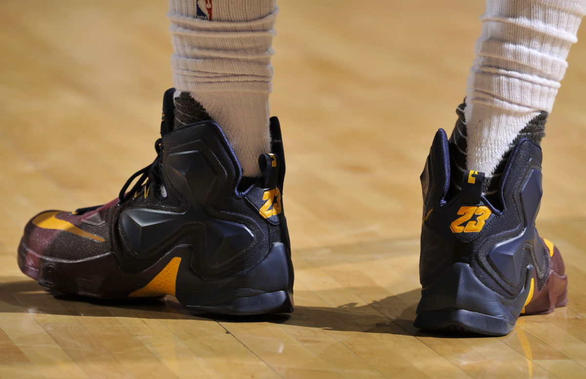 LeBron James Nike LeBron 13 Cavs Gradient PE (6)