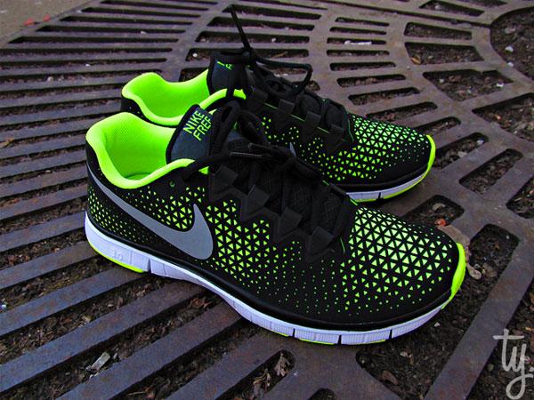 First Look: Nike Free 3.0 - Black/Volt