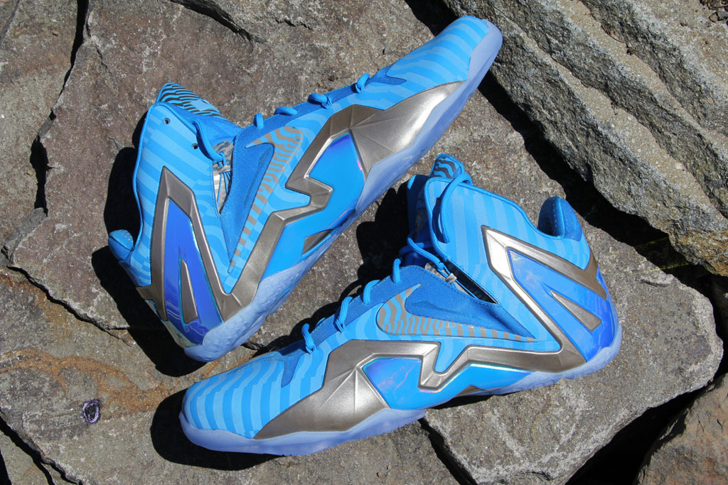 71bc9e637160 Nike LeBron XI 11 Elite Blue 3M Metallic Luster (1)