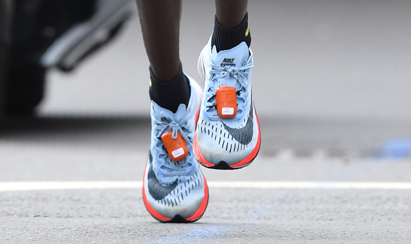 low priced 79ac7 71126 Nike s New Shoe Shoots for the Moon, But Where Does It Land