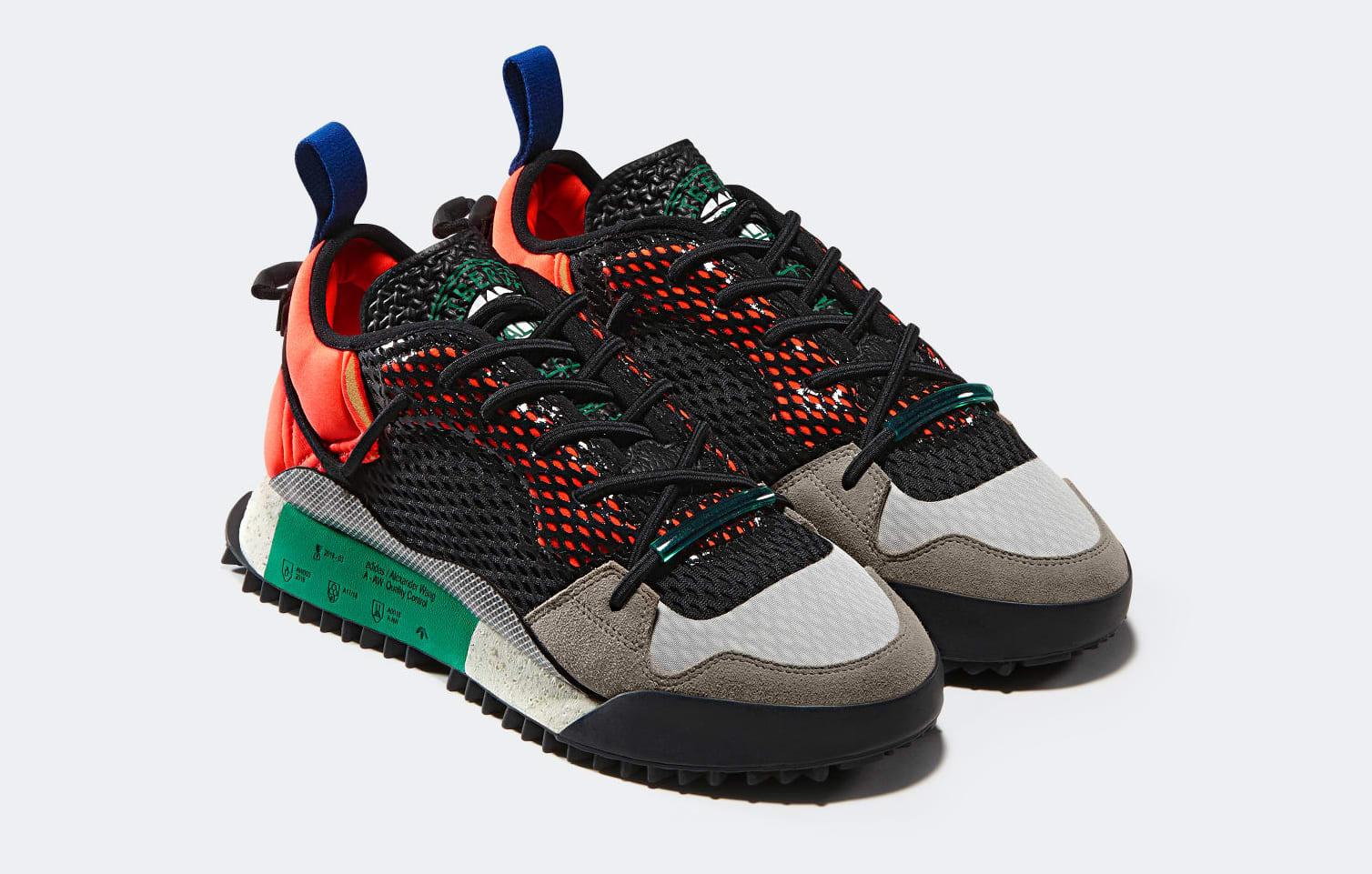 adidas Originals by Alexander Wang Black & Grey Reissue Run Sneakers t7oxApx