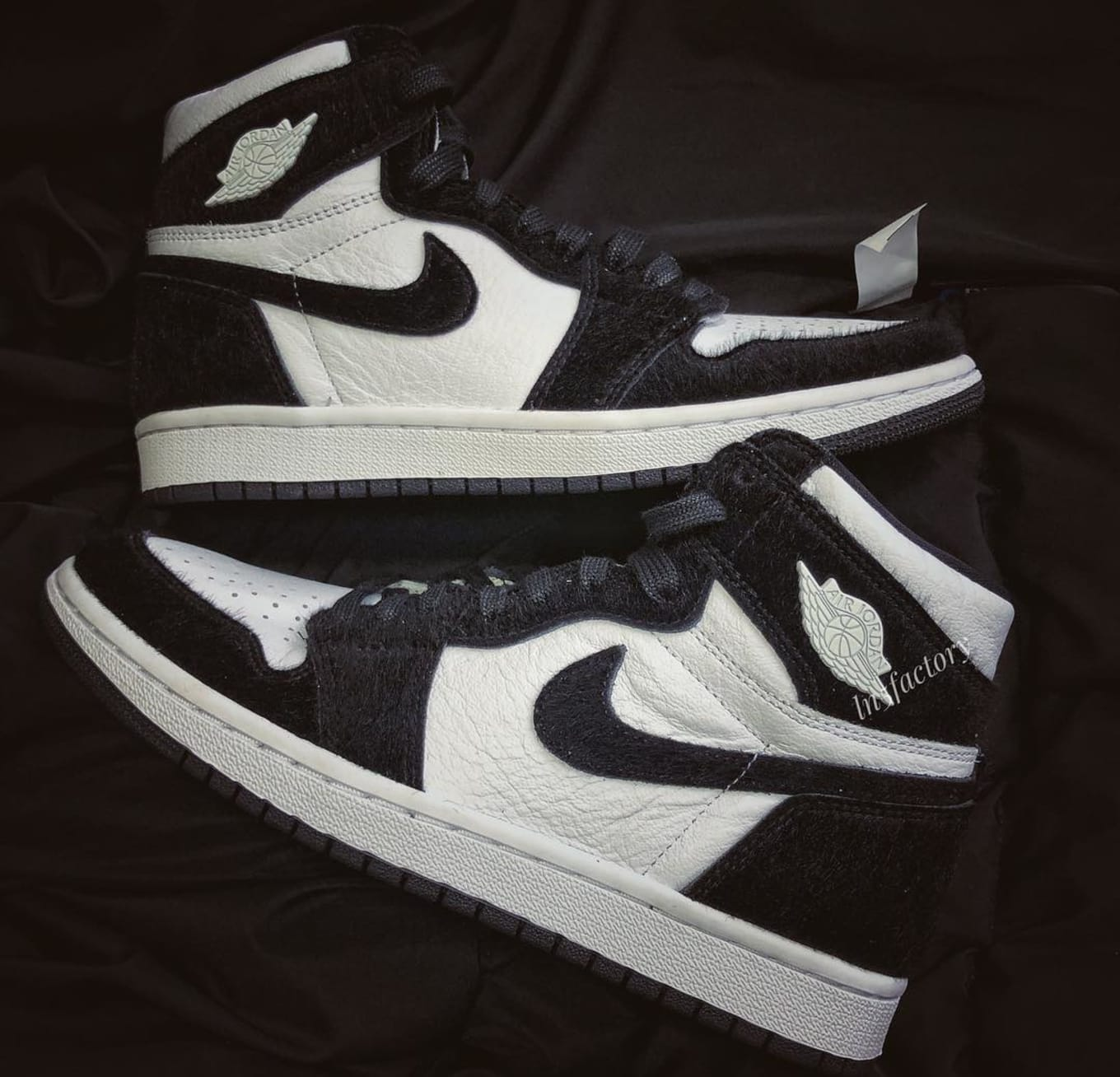 hot sale online c7af1 aef0d New Images of the Premium  Panda  Air Jordan 1. Women s ...