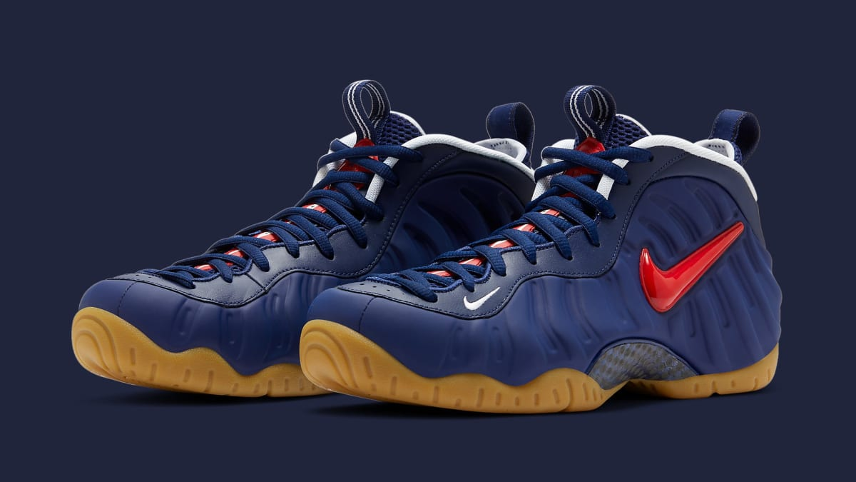 A Detailed Look at the Nike Air Foamposite One Metallic Gold ...