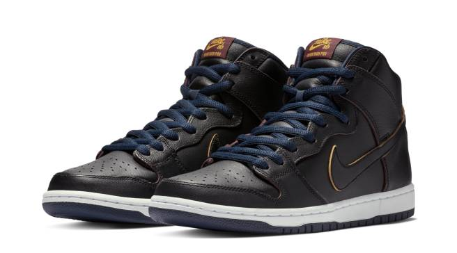 8d630e6c7cf5 Detailed Look at the  Cavaliers  NBA x Nike SB Dunk