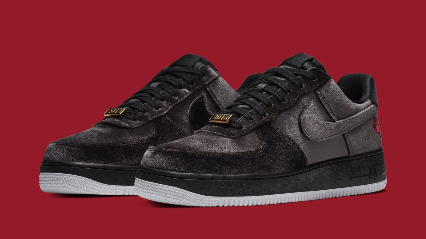 online store ed7c0 4ea8c Nike Covers the Air Force 1 Low in Velvet
