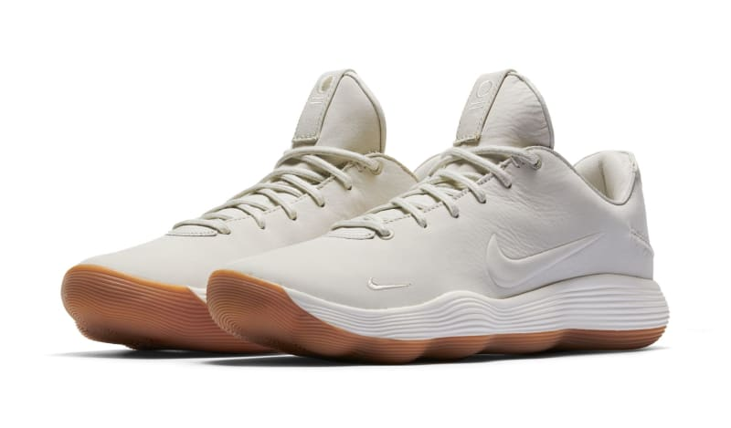 Two colorways of the Nike Hyperdunk 2017 Low with premium materials.
